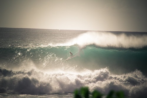 North Shore Surfing | by thestevenalan