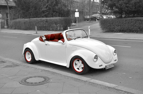Cabrio: Red on White