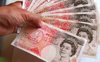 50 pound note fan | by Images_of_Money