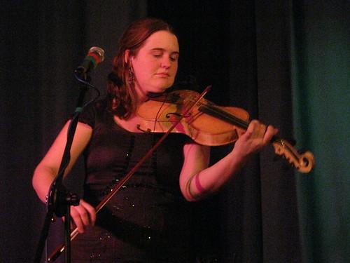 Jackie Oates (2011) 04
