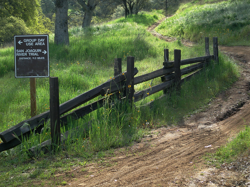 P3290041adj San Joaquin River Trail to Squaw's Leap