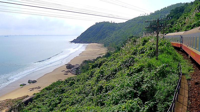 Train Journey over the Hải Vân Pass