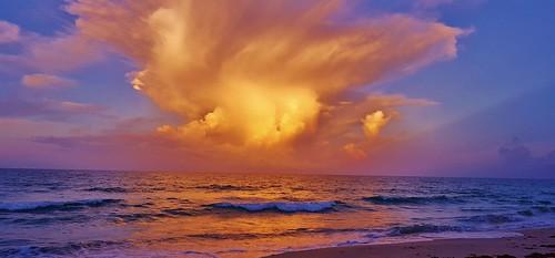 jensenbeach hutchinsonisland treasurecoast florida floridabeaches saintluciecounty hutchinsonislandsouth oceanclouds atlanticocean atlanticcoast