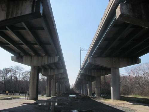 road us overpass freeway 13