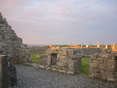ireland galway aranislands inishmore galwaybay sevenchurches naseachtdteampaill