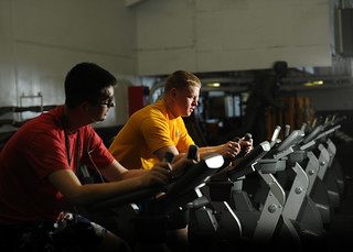 Sailors work out to prepare for upcoming physical fitness assessment. | by Official U.S. Navy Imagery
