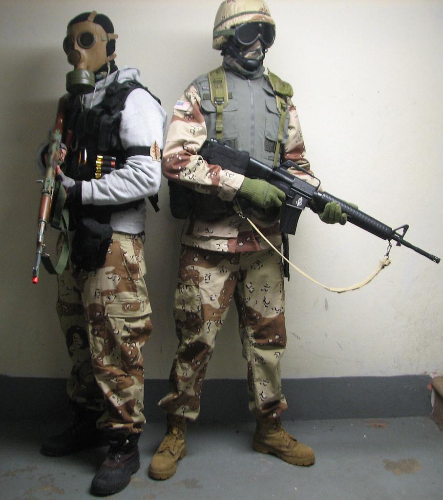 Desert Storm loadouts   back-to-back Delta force Green Beret