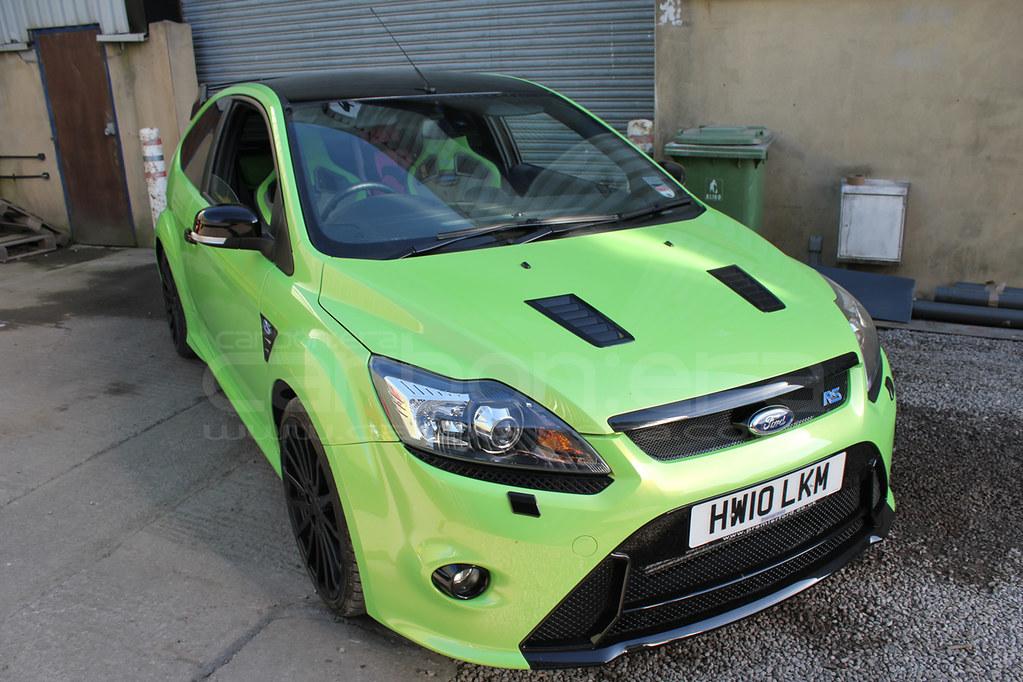CARBON:ERA Ford Focus RS Mk2 Gloss Black Roof, Bonnet Vent