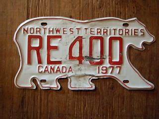 NORTHWEST TERRITORIES 1977 ---RENTAL CAR PLATE #RE400