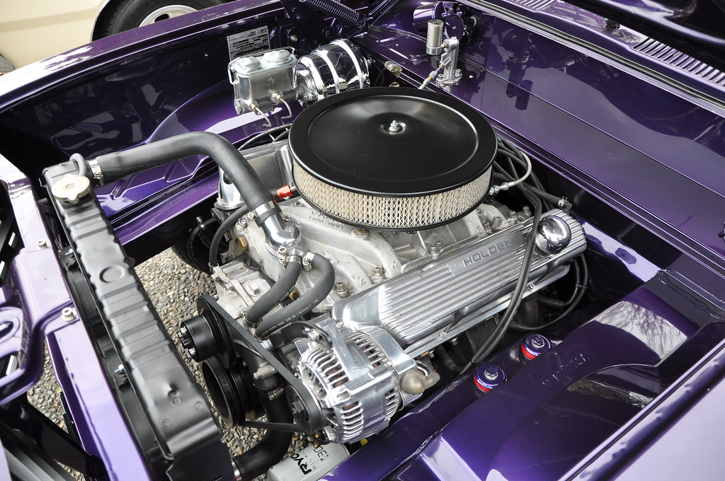 26 i  1972 Holden Torana LJ 308ci 4-Speed, 9in Diff Coupe
