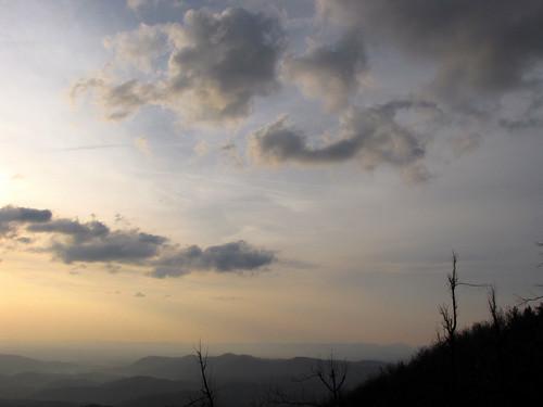 sunrise northcarolina blueridgeparkway westernnorthcarolina southernappalachians ccbyncsa canonpowershotsx10is thelumpoverlook