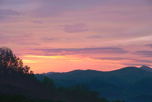 mountain sunrise smoky