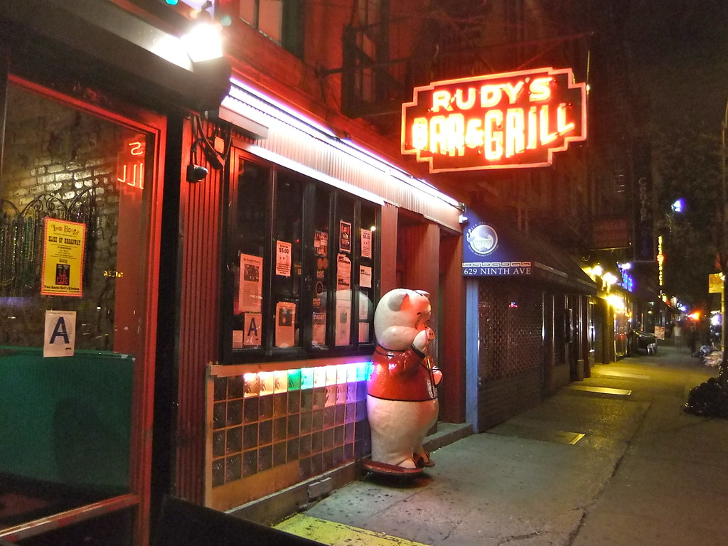Rudy's Bar and Grill | A free hotdog with every beer! Nice