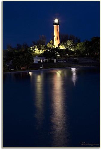 lighthouses professionalphotographer waterscapes 2470mm jupiterlighthouse floridaimages photoworkshops phototours historicsubject phototourguide coastalshorelines jmwnaturesimagescom bluehoursunsets