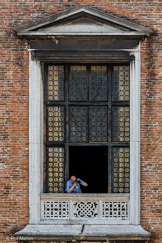 Peering out on to the courtyard of Palazzo Ducale Doge's Palace - Venezia Venice, Italy | by Phil Marion (184 million views - THANKS)