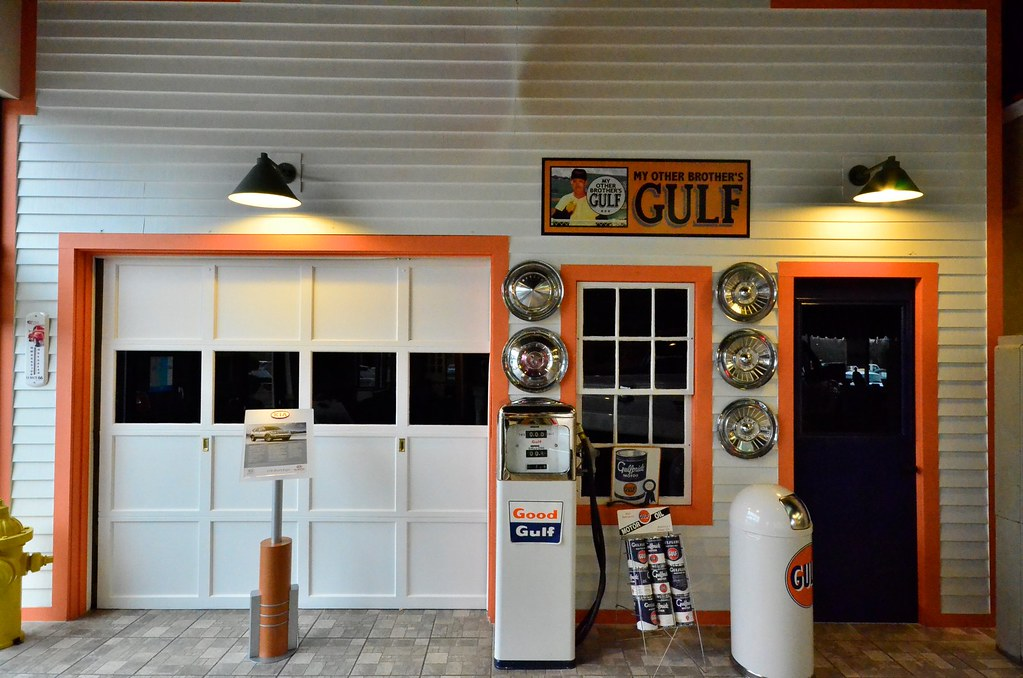 Old Fashioned Gas Station Decor Columbia Ford Dealership C