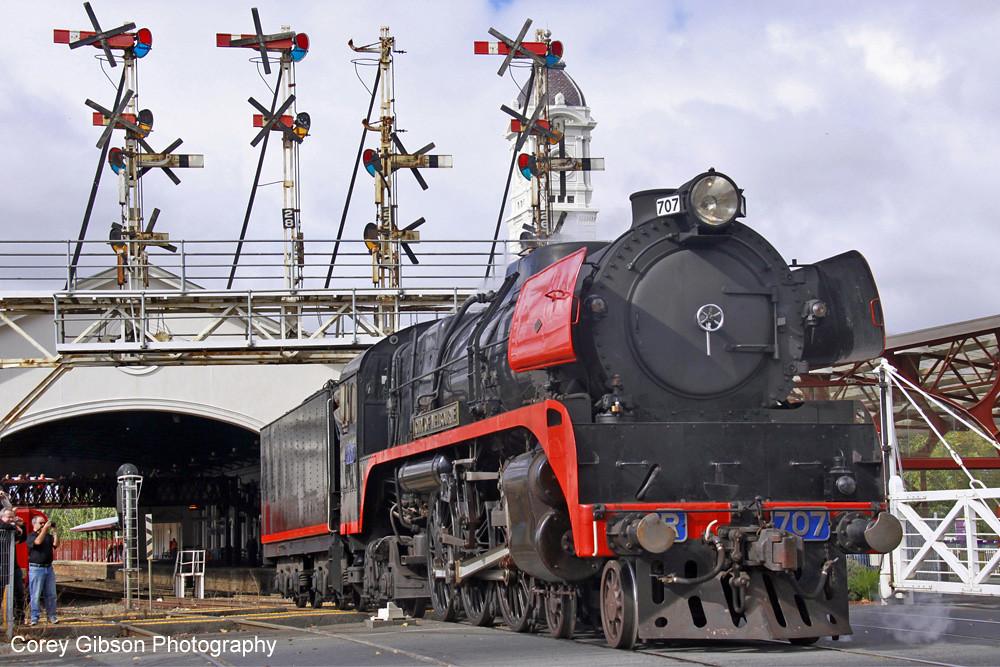 R707 Ballarat Station by Corey Gibson