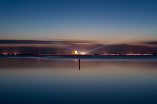 dawn lights florida vab nasa kennedyspacecenter indianriver lc39 spaceshuttleendeavour titisville sts134