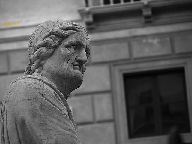 scorcio statua
