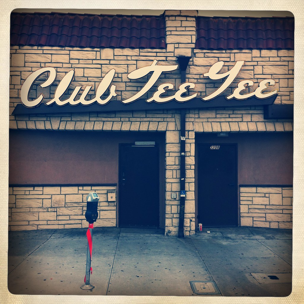 Club Tee Gee (Hipstamatic) | First: this is my 800th sign ph… | Flickr