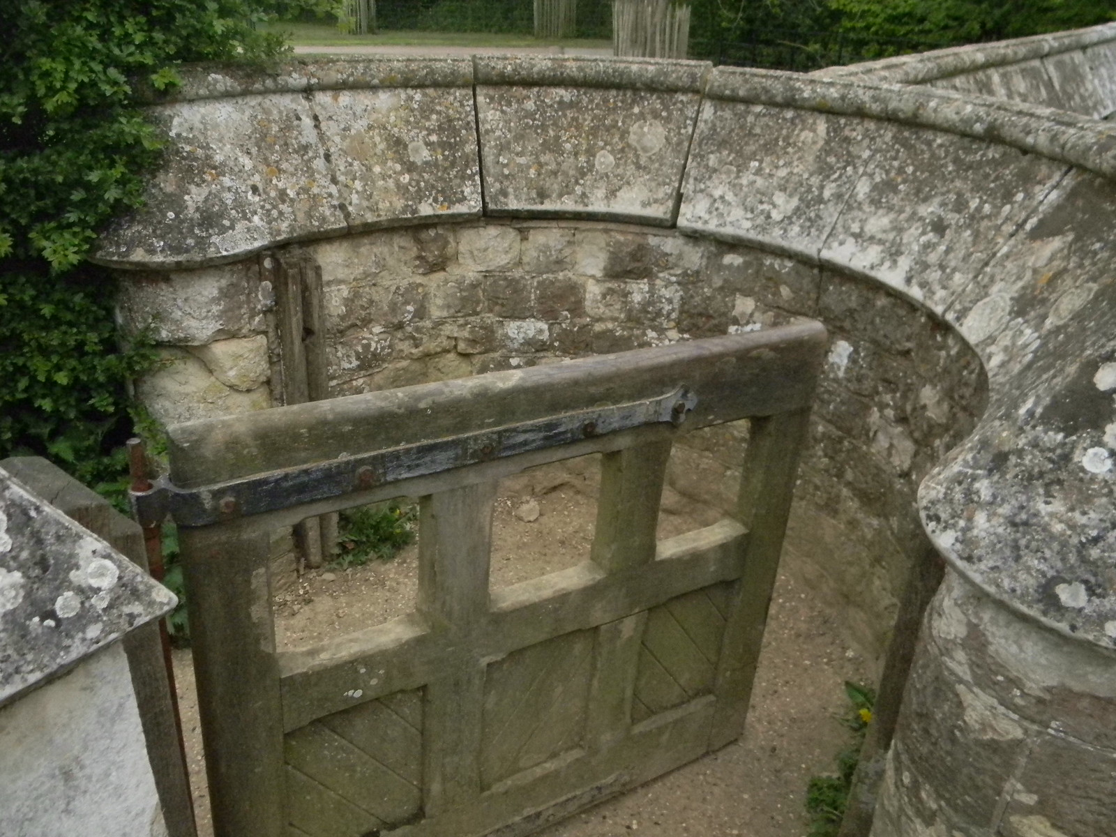 Now thats what I call a kissing gate. Yalding to Sevenoaks