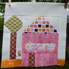Sew Beautiful Bee Cara's House block