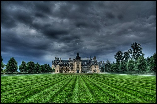 storm clouds asheville northcarolina mansion biltmore
