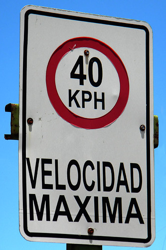 velocidad maxima 40kph