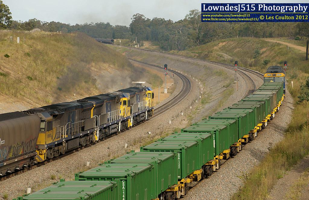 XRN018, XRN016, XRN001, GL10X & GL110 at Minimbah by LowndesJ515