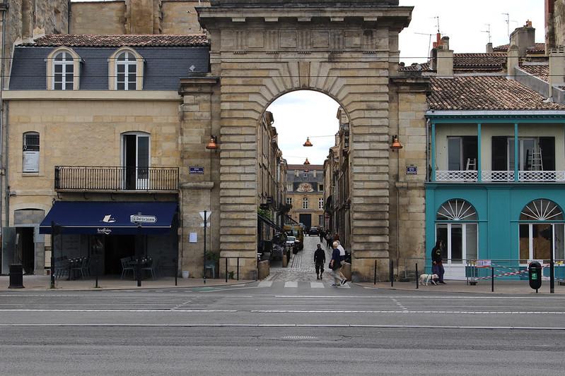 2IMG_3670 Porte de la Monnaie Bordeaux