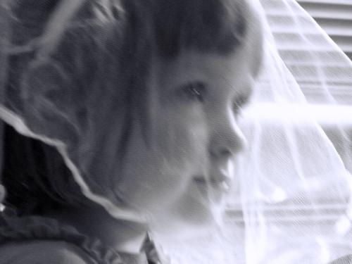 Little girl in her veil   by Graniers