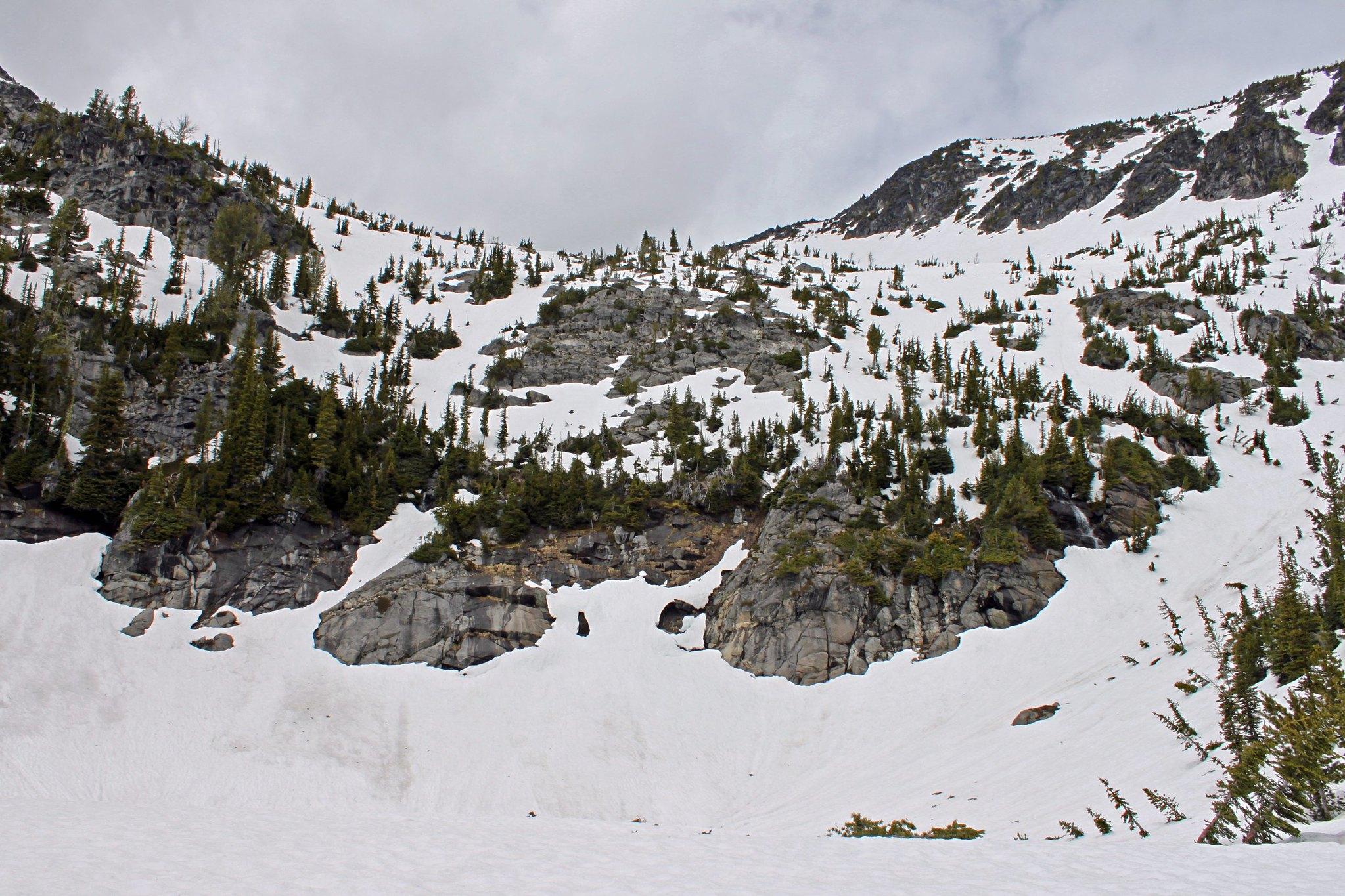 6400' basin below Eightmile Mountain summit