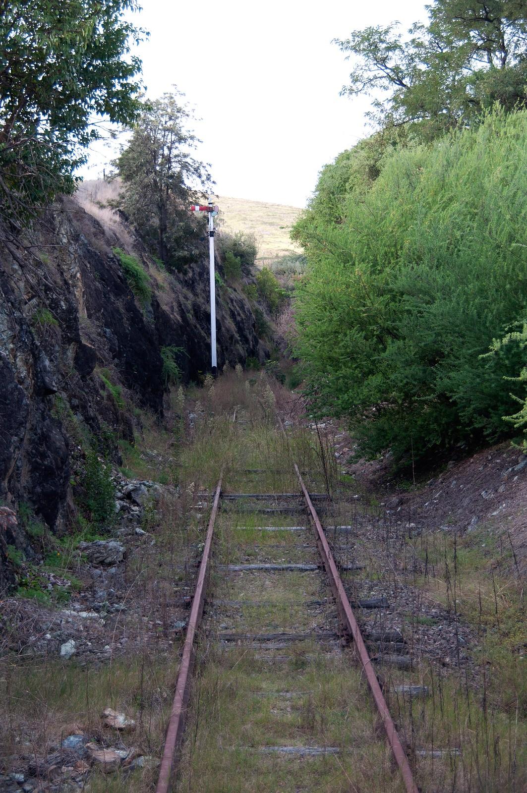 Approaching Gundagai railway from the south by John Cowper