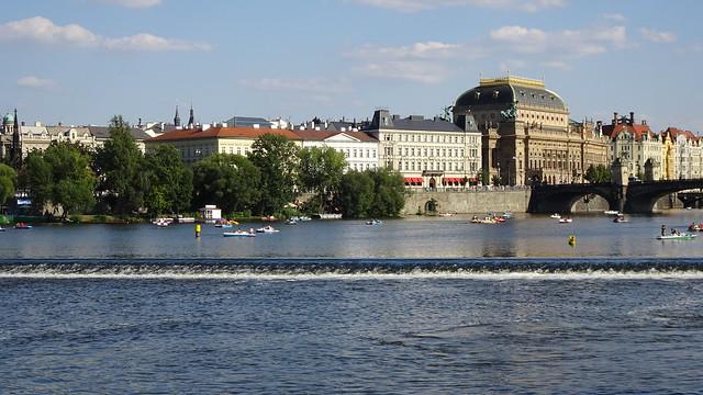 La Vltava et le théatre national