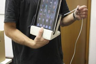 Vincent's iPad Ständer - Dingfabrik Beton Workshop - Tag 2 | by Dingfabrik
