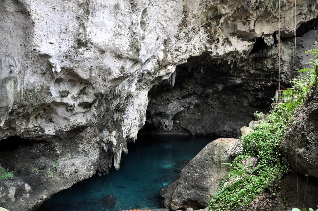 Cuevas Los Tres Ojos