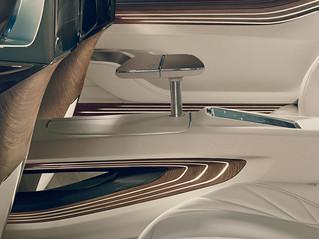 7 BMW-2014-Vision-FL-INT10