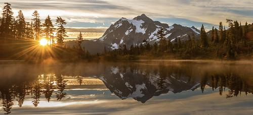 nature landscape sunrise sunburst mtshaksan wa pacificnorthwest picturelake reflection wow