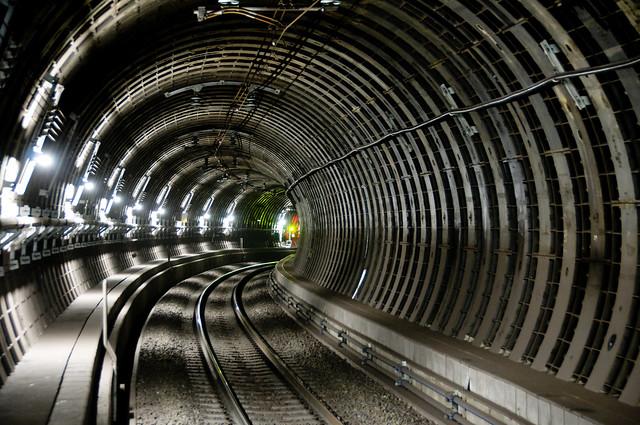 Tunnel Curve