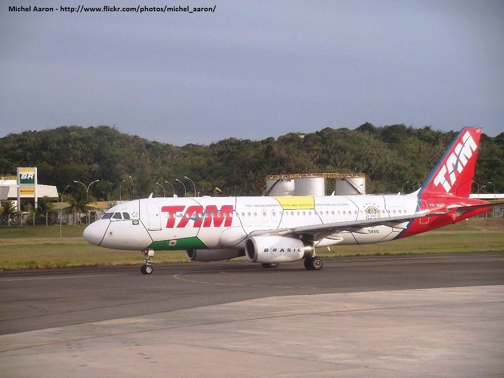 Aviao Tam Desenho Selecao Brasileira Aviao Tam Desenho Flickr