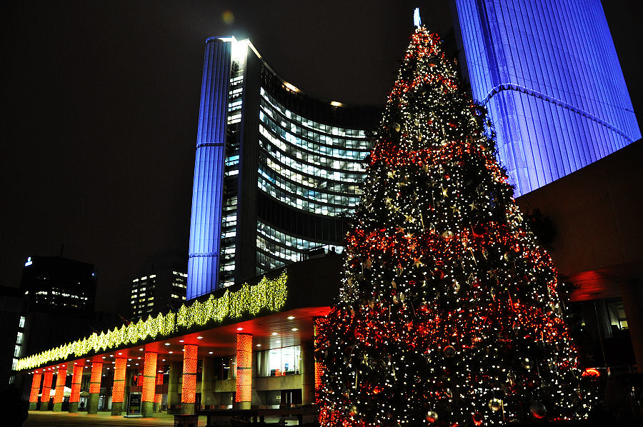 Phillips Christmas Lights.Nathan Phillips Square Christmas Tree There S More Much