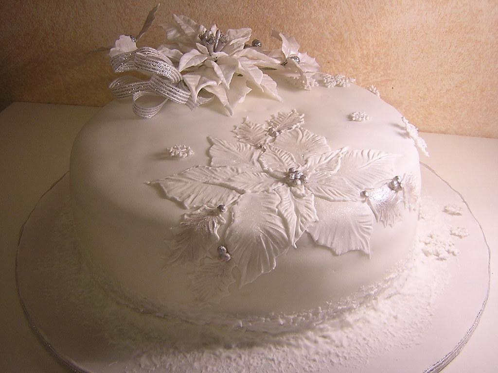 Stella Di Natale Bianca.Bianca Stella Di Natale Royal Iced White Poinsettia Cake Flickr