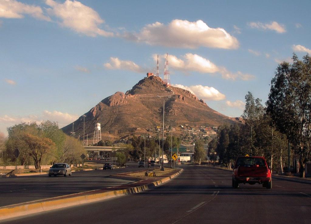 Coronel Enriqu: Cerro Coronel A La Tarde
