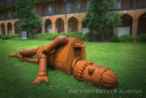 Goldie on the Woods Hall Quad