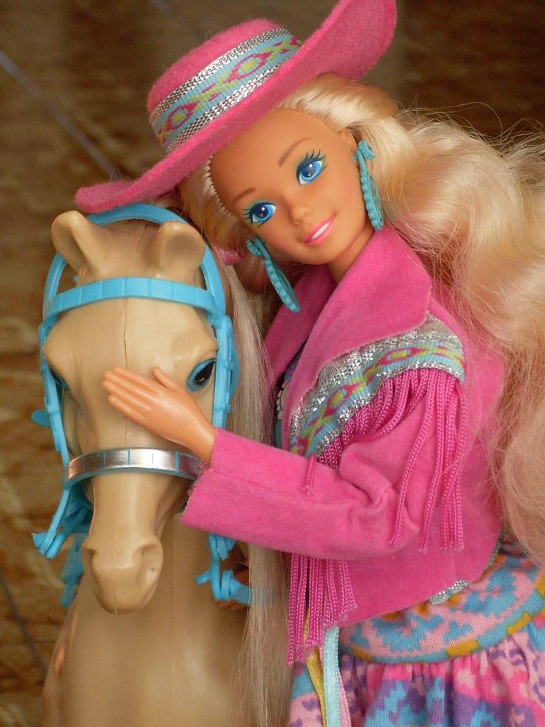 Barbie Western Fun with Sun Runner Horse