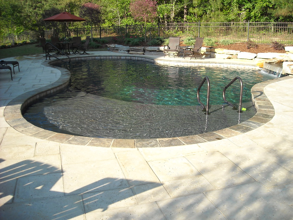 Gunite Swimming Pool With Slate Coping And Peacock Pavers Flickr