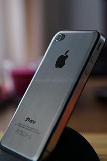 iPhone 4 Brushed Alu closeup   by ND-Photo.nl