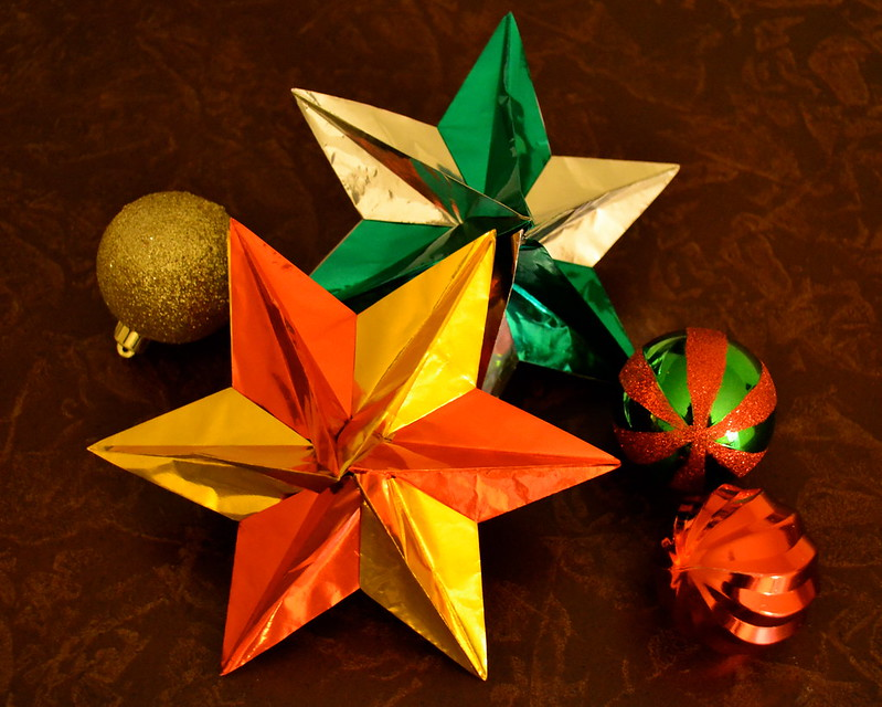 The 10 Best Origami Christmas Ornaments to Make with Your Kids ... | 640x799