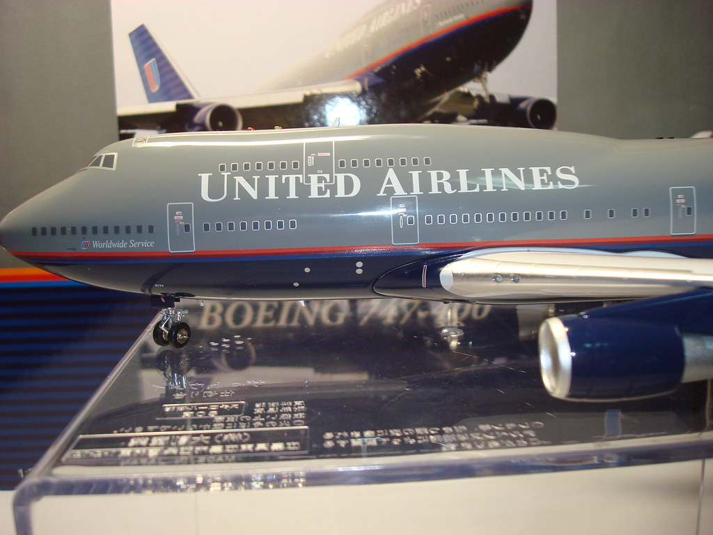 Inflight 200 United Airlines B747-400