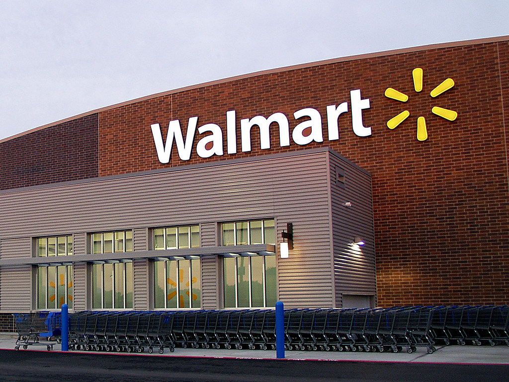 Walmart store exterior | In 2008, Walmart changed it's logo … | Flickr
